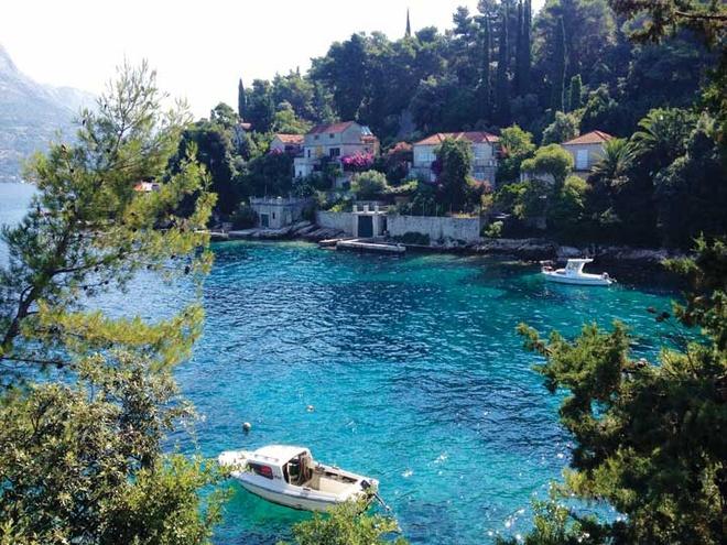 Nhung thi tran co vung duyen hai Croatia hinh anh 3 Vẻ xanh tươi của Korcula.