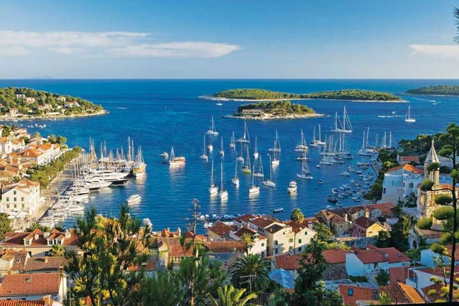 Nhung thi tran co vung duyen hai Croatia hinh anh 4 Phố biển Croatia ngày càng thu hút khách du lịch.