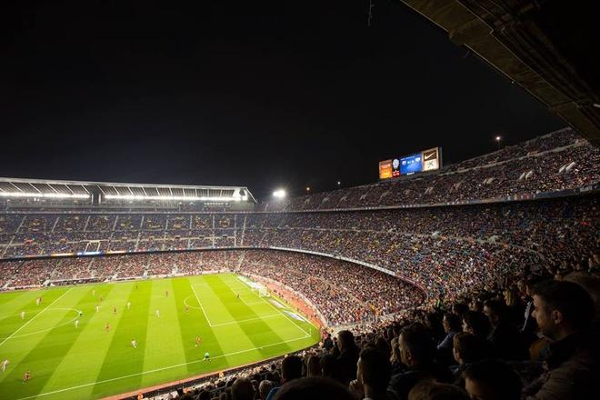 Barcelona trong mat fan Viet cuong bong da hinh anh 11