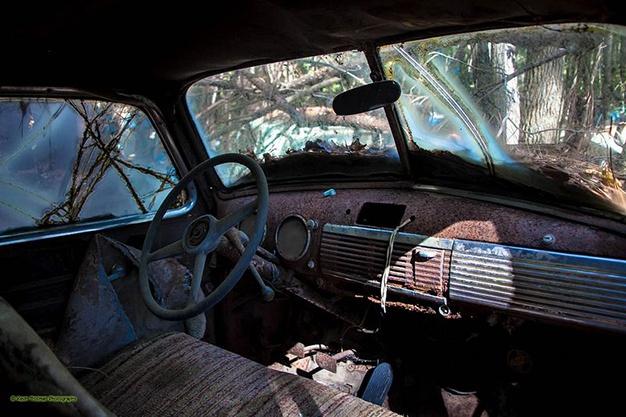 Lac trong nghia dia xe co ky la nhat the gioi hinh anh 13 Mỗi chiếc ô tô đều có những kỷ niệm đặc biệt với Dean và ông chỉ bán nếu thấy xứng đáng với giá trị của nó. Nhiều du khách đến để hỏi mua nhưng đã thất vọng ra về.