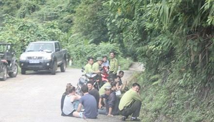 Dieu hanh tour bat hop tac, du khach bi bo doi hinh anh 1 Du khách quốc tế bị Cty Lữ hành bỏ rơi nhiều giờ.