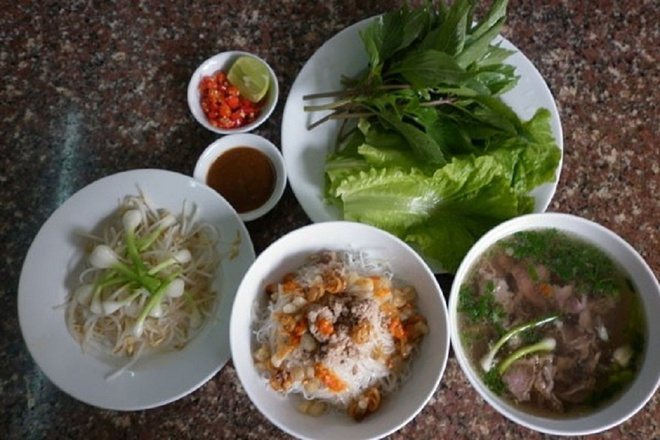 Kham pha ba tinh Tay Nguyen dip Tet Duong lich hinh anh 2 Ảnh 5: Phở hai tô, món ăn khó cưỡng ở Gia Lai. Ảnh: Baogialai.