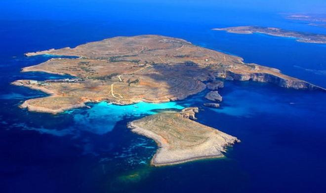 10 diem den an toan nhat neu... The chien thu ba no ra hinh anh 3 3. Malta: Đây là một tiểu quốc đảo nằm trong Địa Trung Hải. Trải qua lịch sử lâu đời bị các đế quốc tấn công, Malta vẫn đứng vững và phát triển. Điều đó cho thấy việc tấn công Malta sẽ rất hao tốn nhiều tài lực.  Chưa kể, sẽ là sự phí phạm nếu bỏ ra quá nhiều công sức chỉ để chiếm giữ một vùng đất Malta bé nhỏ.