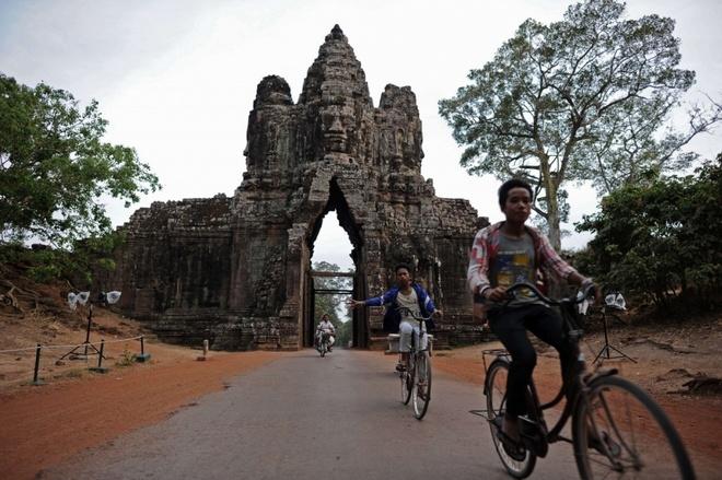 Campuchia phat video canh bao du khach ve hanh vi khong dep hinh anh 1