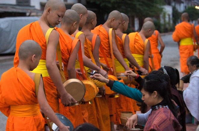 Mot ngay binh yen o co do Luang Prabang hinh anh 1