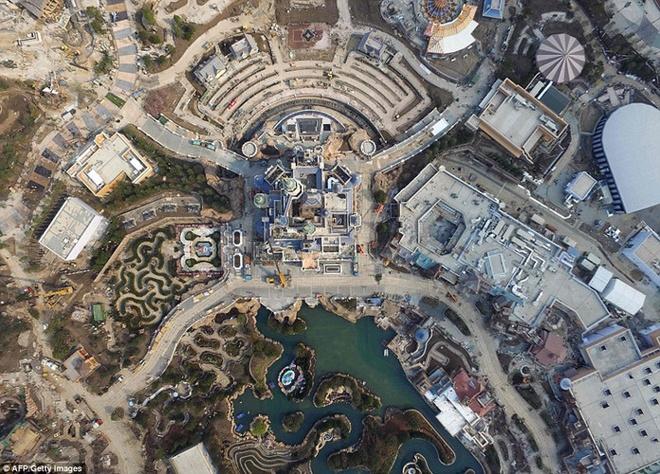 Khung canh choang ngop tai Disneyland Thuong Hai hinh anh 7