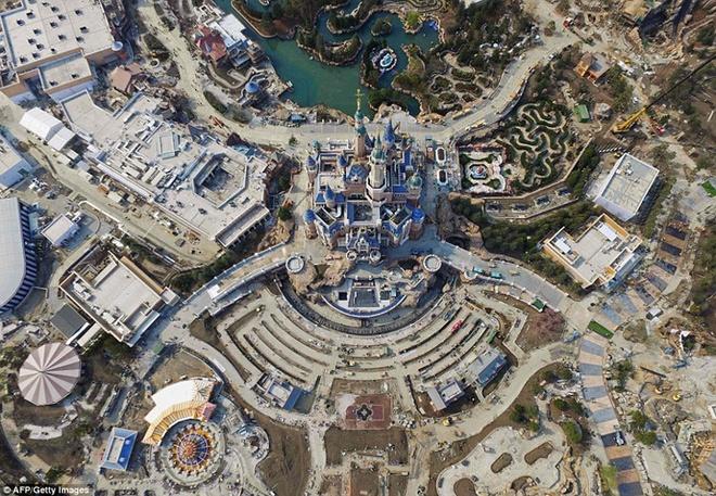 Khung canh choang ngop tai Disneyland Thuong Hai hinh anh 9