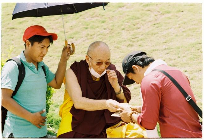 Vung nui Nepal linh thieng voi Phat giao Tang truyen hinh anh 10