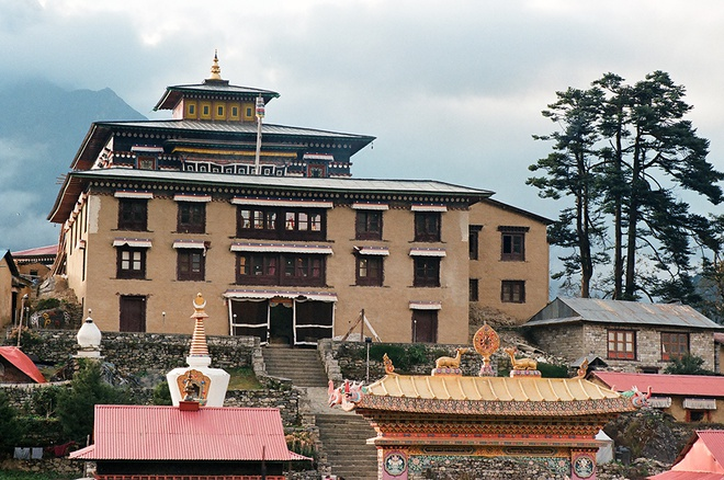Vung nui Nepal linh thieng voi Phat giao Tang truyen hinh anh 13