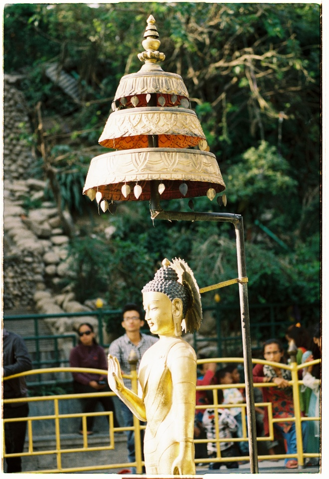 Vung nui Nepal linh thieng voi Phat giao Tang truyen hinh anh 2