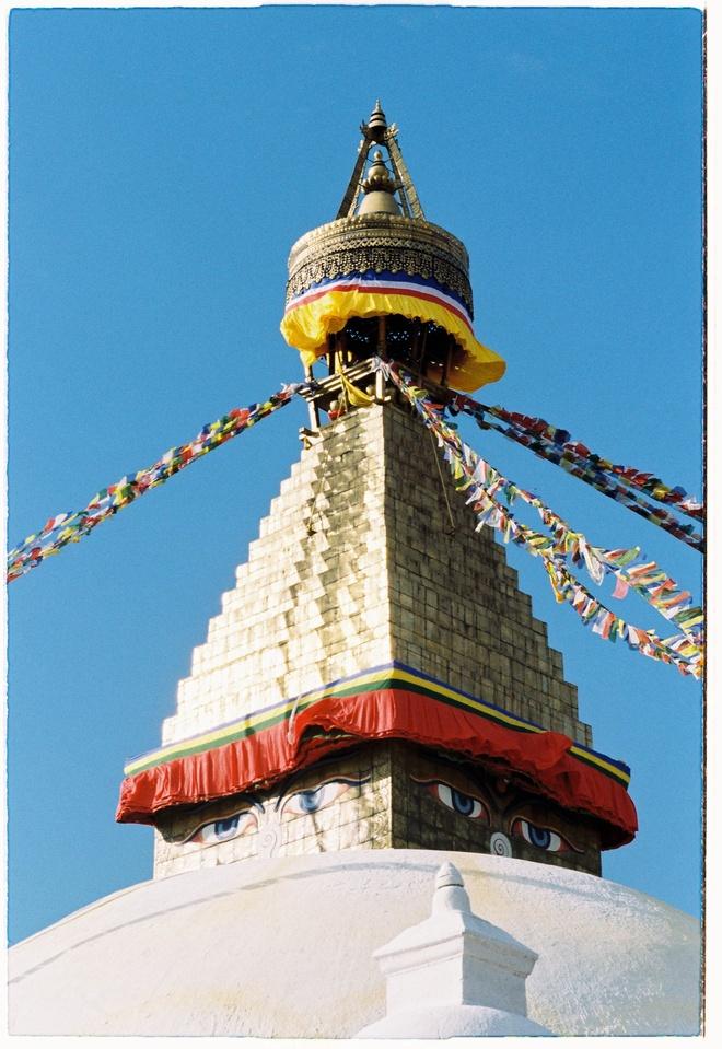 Vung nui Nepal linh thieng voi Phat giao Tang truyen hinh anh 3