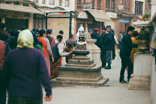 Vung nui Nepal linh thieng voi Phat giao Tang truyen hinh anh 7