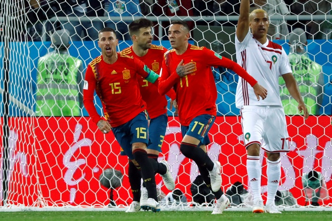 Hai lần bị dẫn trước, Tây Ban Nha nhờ VAR để gỡ hoà phút cuối