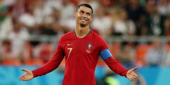 Ronaldo da hong 11 m, Bo Dao Nha vao vong 16 doi voi doi chan run ray hinh anh