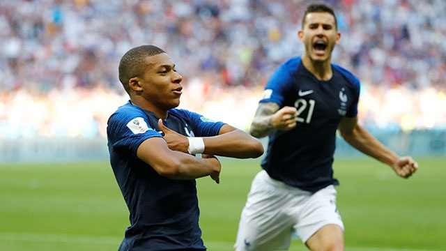 Mbappe ghi cu dup ban thang, DT Phap loai Argentina khoi World Cup hinh anh