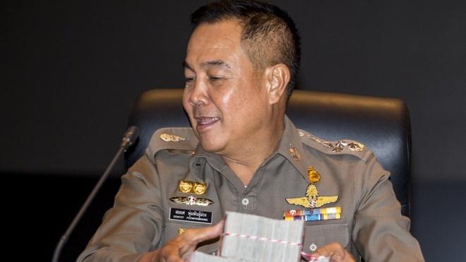 Cuu lanh dao canh sat Thai vay 9,5 trieu USD tu chu 'lau xanh' hinh anh 1
