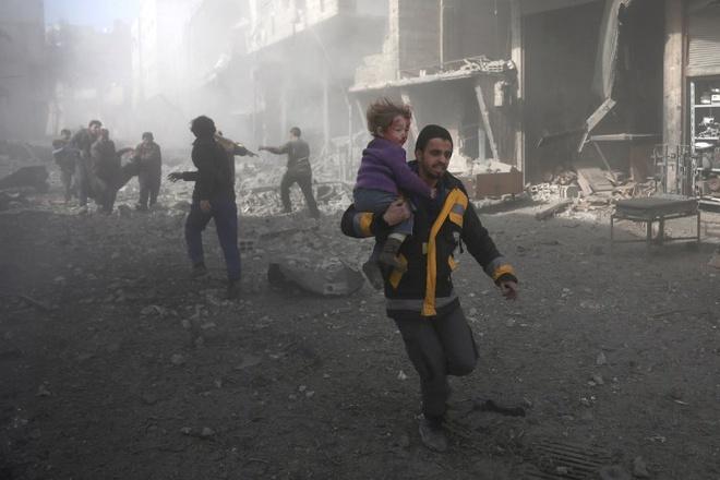 Lien Hop Quoc khan cau cham dut 'dia nguc tran gian' o Syria hinh anh 2