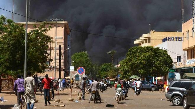 Dai su quan Phap o Burkina Faso bi tan cong hinh anh 1