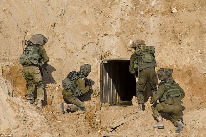 Israel pha huy duong ham xam nhap lanh tho cua chien binh Hoi giao hinh anh