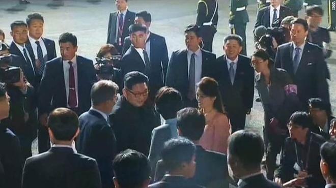 Kim Jong Un chia tay Han Quoc, ket thuc chuyen tham lich su hinh anh 2