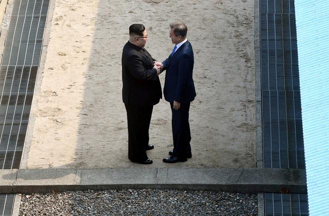 2 hanh dong 'ngoai kich ban' cua Kim Jong Un va goi y cho tinh bao My hinh anh