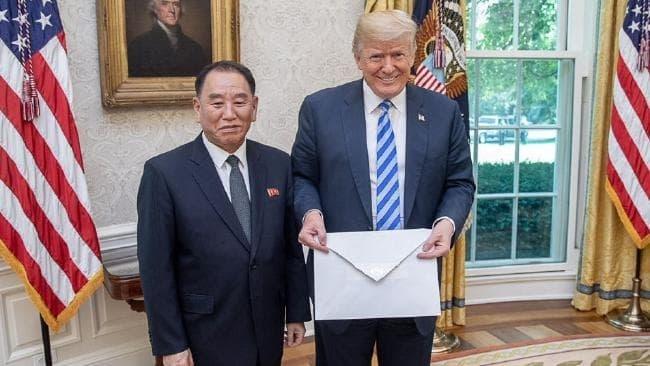 Trump nhan thu moi cua Kim Jong Un, de ngo kha nang gap lan hai hinh anh