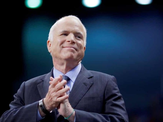 Thuong nghi si John McCain, tuong dai chinh tri My, qua doi hinh anh