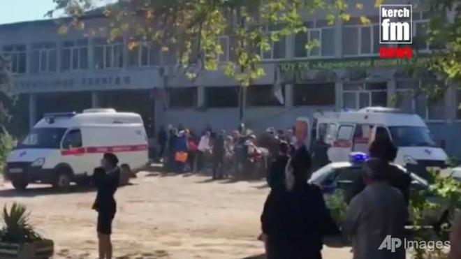 Danh bom khung bo tai truong hoc Crimea, 18 nguoi chet hinh anh 1