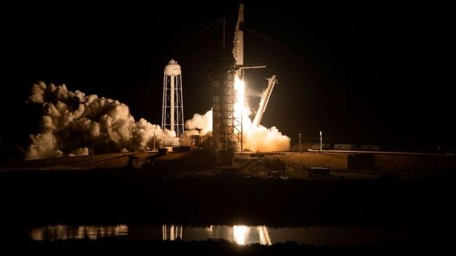 Tau Crew Dragon cua SpaceX ket noi thanh cong voi tram vu tru ISS hinh anh 1
