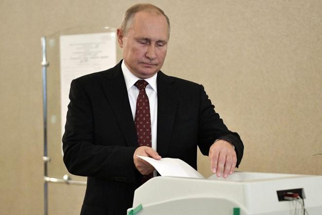 Dang cua TT Putin ton that lon trong bau cu o Moscow hinh anh 1