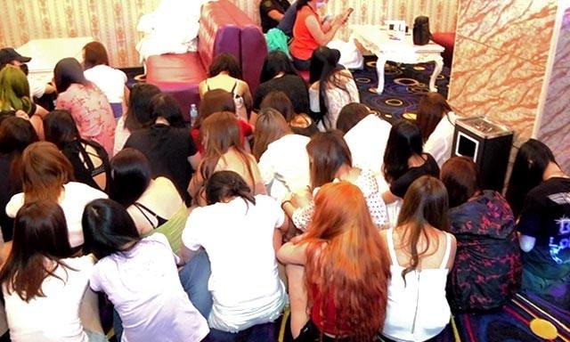 Philippines dot kich quan karaoke, phat hien 91 gai mai dam TQ hinh anh 1