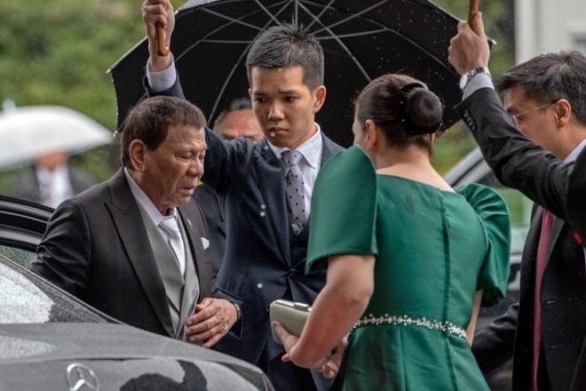 Tong thong Duterte cat ngan chuyen tham Nhat vi dau lung khong dut hinh anh 1