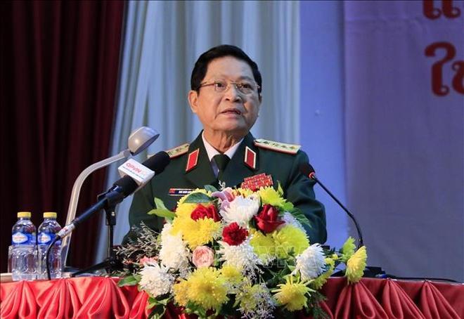 Trao tang Huan chuong Sao Vang cho tap the, ca nhan quan doi Lao hinh anh 1