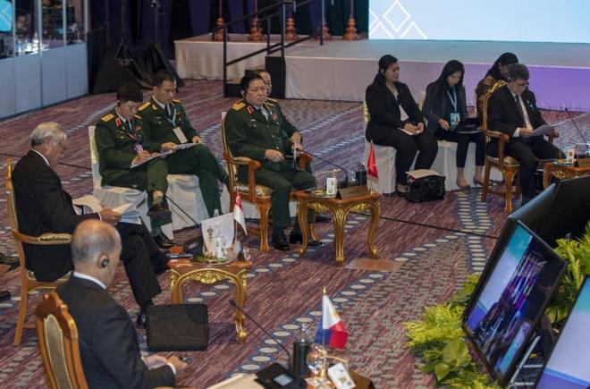 Bien Dong phu bong hoi nghi quoc phong ASEAN hinh anh 1
