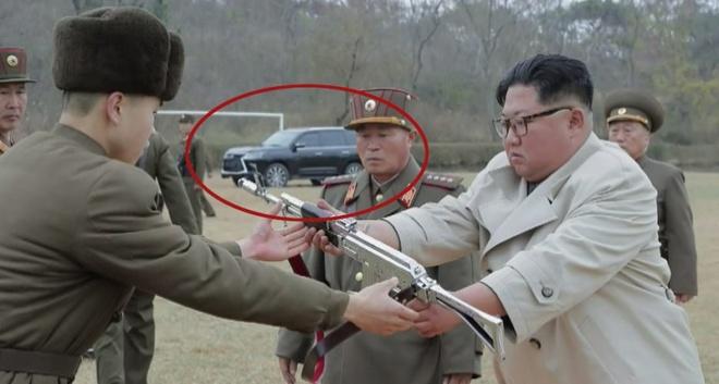 Lo dien xe sang Lexus moi cua ong Kim Jong Un hinh anh 1