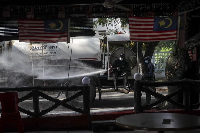 Malaysia phat hien day chuyen lay nhiem lien quan toi 40.000 nguoi