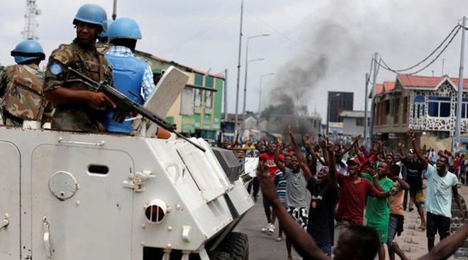 binh si Congo say ruou ban chet 12 nguoi anh 1