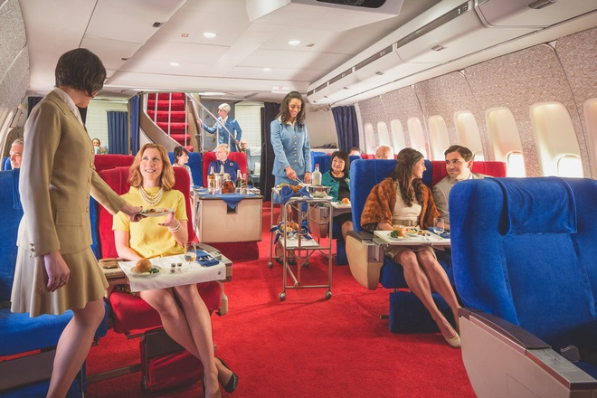 Chuyen bay nam 1960 khac ngay nay the nao? hinh anh 8 Từng hành khách được phục vụ chu đáo.
