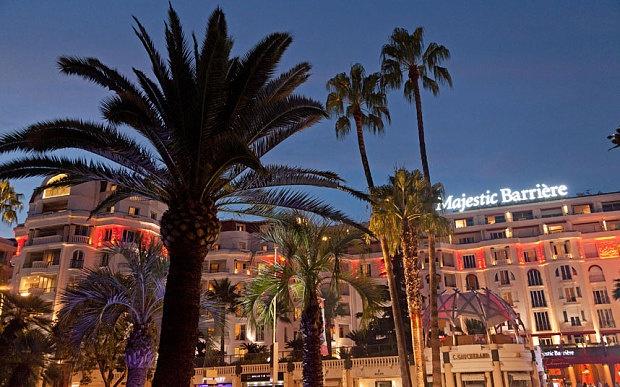 Khách sạn Majestic Barriere với 3 mức giá wifi: Tốc độ thấp (gần 8 triệu đồng), tốc độ trung bình (5,2 triệu đồng), tốc độ thấp (235.000 đồng)/ đêm.