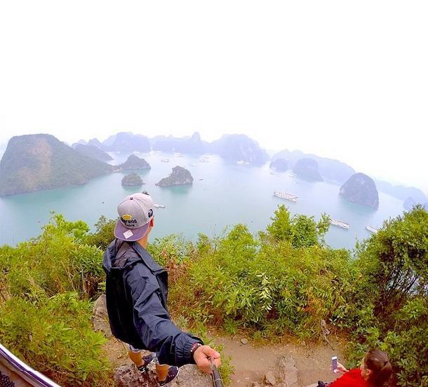 Hạ Long, Việt Nam: Di sản văn hóa thế giới này bao gồm rất nhiều hòn đảo nhỏ, với 4 làng chài yên bình. Dù bạn có chọn góc độ nào đi chăng nữa, thì những bức ảnh chụp ở đây đều hoàn hảo.