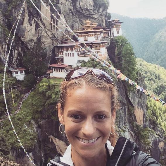Tu viện Taktsang Monastery, Bhutan: Còn có tên gọi là Tiger's Nest, tu viện nằm chênh vênh ở độ cao 914 m so với thung lũng Paro.