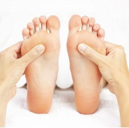 24 gio met nhoai o Hong Kong hinh anh 19 24h: Massage chân ở Tai Pan Reflexologist, quán mở đến 2h sáng, được rất nhiều du khách trên Trip Advisor khen ngợi.