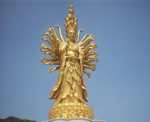 7 buc tuong noi tieng nhat the gioi hinh anh 7 Tượng Phật nghìn mắt nghìn tay: Nằm tại Hồ Nam, Trung Quốc, cao 99 m, tượng Phật Quan Thế Âm này là bức tượng cao thứ 7 thế giới và cao thứ 4 tại Trung Quốc.