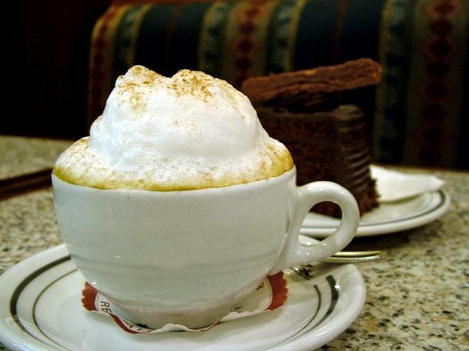 Bua sang o cac nuoc co gi la? hinh anh 14 Italy: Bữa sáng của người Italy thường bao gồm cà phê và bánh quy biscotti.