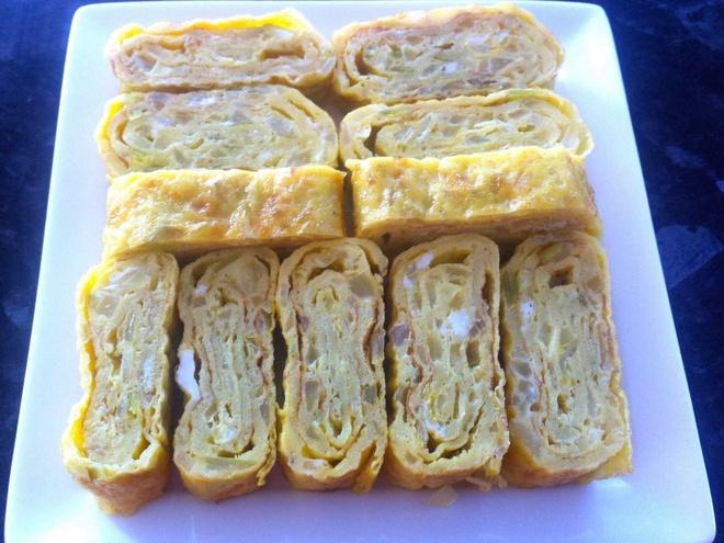 Bua sang o cac nuoc co gi la? hinh anh 16 Hàn Quốc: Món trứng cuộn rau hoặc cuộn thịt thường được ăn cho bữa sáng.