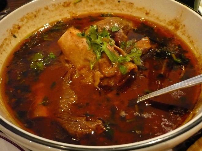 Bua sang o cac nuoc co gi la? hinh anh 5 Pakistan: Món ăn phổ biến cho bữa sáng là món thịt bò hầm có tên Nihari.