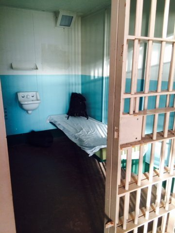 Alcatraz - nha tu hut 1,5 trieu du khach moi nam hinh anh 4 Mỗi phòng giam có diện tích 1,5 x 2,7 m.