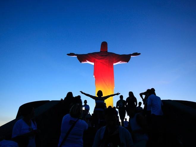 10 dia danh hut khach nhat the gioi hinh anh 9 9. Tượng Chúa cứu thế, Rio de Janeiro, Brazil: