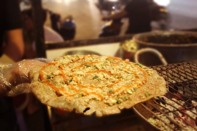 'Piza Hue' hut khach Sai Gon hinh anh