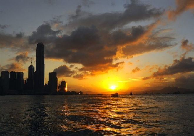 Nen den Hong Kong vao thoi diem nao? hinh anh 3 Nên mang theo áo ấm vì thời tiết Hong Kong thay đổi thất thường.
